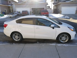 2013 KIA RIO (LOADED)