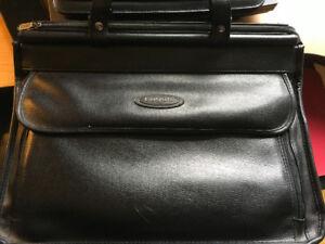Porte documents et valise de travail