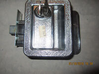 BRAND NEW LOCKING HANDLE FOR MOTOR HOME, CAMPER