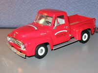 RARE 1:18 Scale Toy Collector Club Ford F - 100 Lil Red Delivery