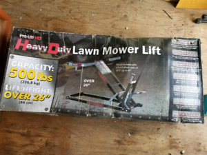 HD Lawnmower Lift - brand new