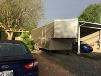 Remorque fermée 20 pieds, Idéal Cargo 2013 et outils à vendre
