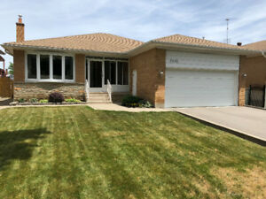 3 + 1 bedroom bungalow double car garage available Sept 1st