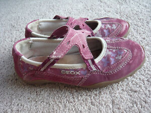 girl's shoes - brand: GEOX, size 11.5, Europe size: 29