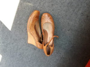 Shoes - lots of shoes and boots (Designer Brands)