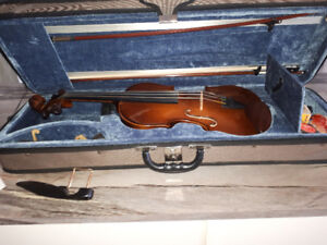 Beautiful 4/4 Stentor Violin for sale,,,