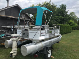 ** Mini Pontoon Boat **