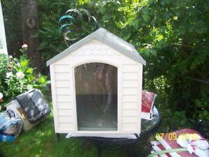 Vynal Dog House