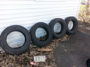 4 225/65/17 Bridgestone Blizzak tires