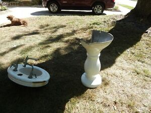 PEDESTAL SINK AND BASES CASTIRON Kitchener / Waterloo Kitchener Area image 7