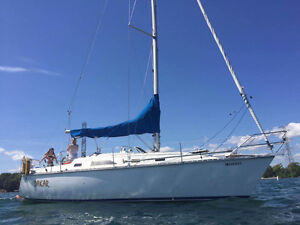 1984 Hunter 31 Sailboat - Ready to sail, Cruiser/Racer