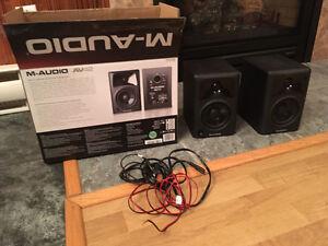 Hauts-parleurs M-Audio AV42 Professional Studio Monitor Speakers