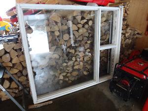Fenetre en bois 59X71 pouces
