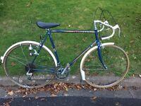 Peugeot Road Bike. Medium vintage