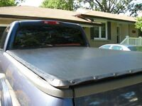 Tonneau Cover - like new