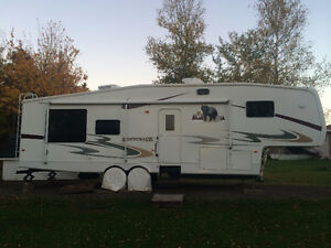 Cedar Creek Silverback Fifth Wheel