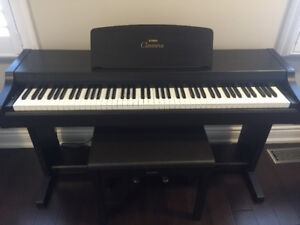 Yamaha Clavinova CLP 810S Electric Piano Plus Matching Bench