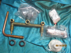 NEW Tub & Shower Faucet Kit