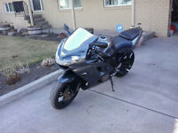 2002 Kawaski 600cc ninja zx6r (located in MERRITT)