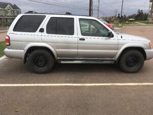 2004 Nissan Pathfinder Chinook Edition SUV, Crossover