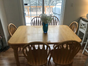 Oak Table and Chairs (Great condition)