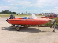 restored 197614ft Vanguard power boat w65hp merc