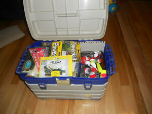 Monster coffre a peche, Giant fishing tackle box