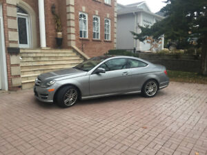 Mercedes-Benz C250 2 dr coupe  $13000  / 175000 kms  / 2012