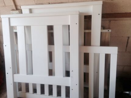 Baby's cot and change table Ganmain Coolamon Area Preview