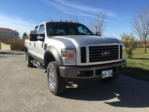 2008 Ford LOW KMS! Diesel 4x4 Lariat Crew Cab saftied SB no rust