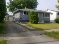 KELOWNA All-inclusive HOUSE 2bed+1bath 10min Walking to DT