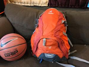 Backpack / sac à dos Deuter Futura 22, neuf, utilisé UNE fois