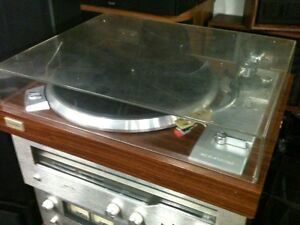 Vintage TOSHIBA Turntable.. New Needle .. Buy with Confidence !!