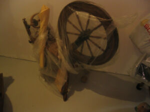 ANTIQUE F. YOUNG LUNENBURG SPINNING WHEEL THAT WORKS