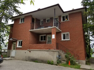 3 Bedroom Apartment Waterloo Available Room Rental