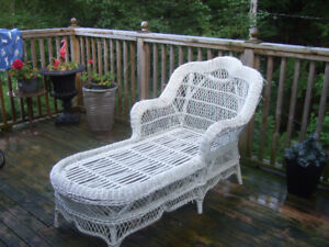 WHITE WICKER LOUNGER AND CHAIR