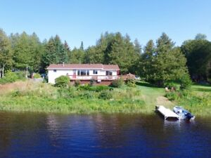 Lovely Ottawa River Front Home       MLS1092733