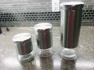 Stainless kitchen canisters Sarnia Sarnia Area image 1