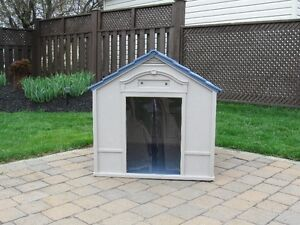 Suncast Deluxe Dog Kennel - NEW!