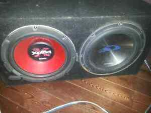 800watt amp 2 subwoofers and 2 capacitors WITH BOX!!