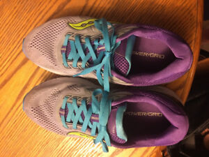 Saucony size 10 sneakers