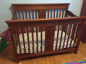 Beautiful Baby Crib and Matching Dresser