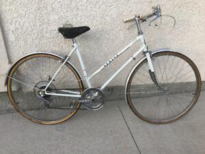 Vintage Sekine ladies bike