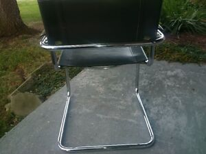 4 - Elegant metal frameI leather Visitor office chair/Dining West Island Greater Montréal image 3