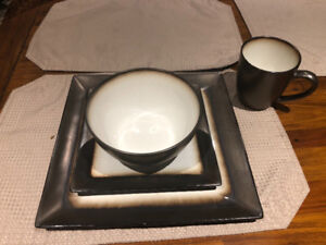 New Bowrings16 piece dishes set