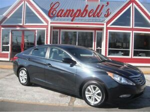 2012 Hyundai Sonata GL SUNROOF HTD SEATS!! BLUETOOTH VOICE ASSIS