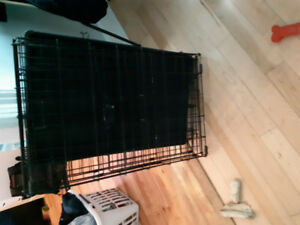 MED SIZE kennel!! Excellent condition!  $75 OBO
