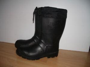 *** KAMIK ***Bottes d'hiver boots -- size 9 US men / 41 EU