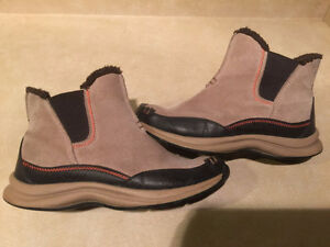 Women's Lands End Insulated Slip-On Boots Size 8 London Ontario image 4