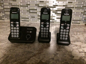 Panasonic 6.0 three cordless phone set & corded vtec phone